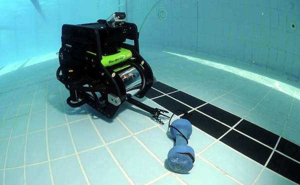 Bahrain Photograph - Underwater Reconnaissance Vehicle Testing by U.s. Navy