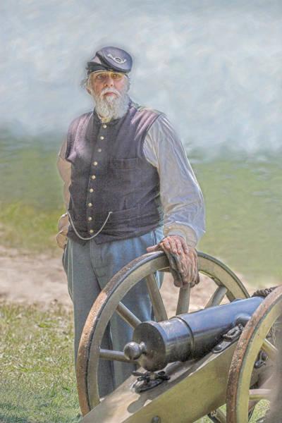 Union Civil War Veteran And Cannon Art Print