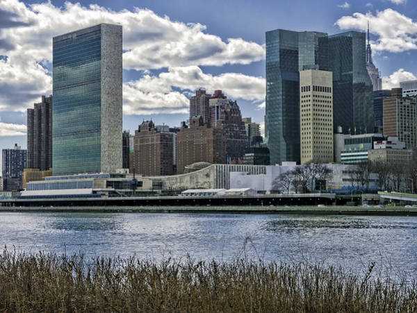 Photograph - United Nations Headquarters by S Paul Sahm