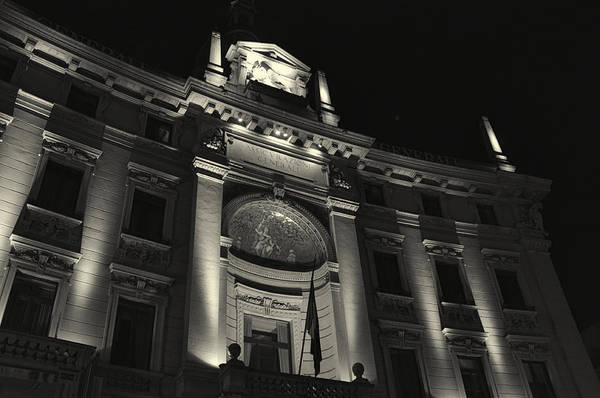 Photograph - Uplighting In Milan by Alex Roe