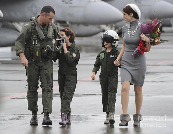 Atsugi Photograph - U.s. Aviator Walks With His Family by Stocktrek Images