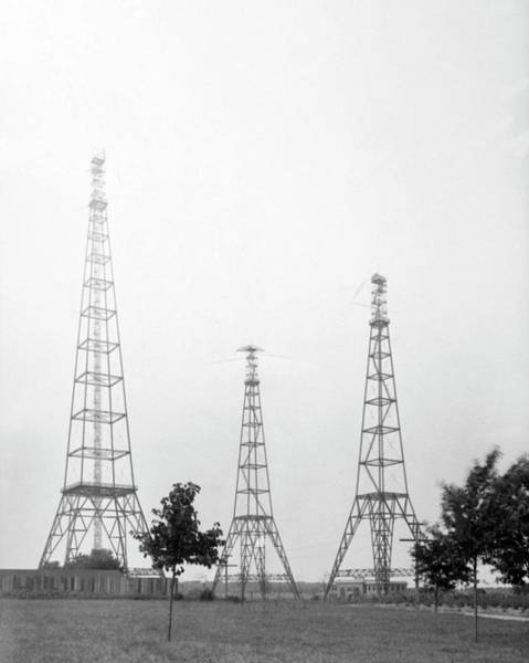 Wall Art - Photograph - Us Naval Observatory Time Signalling Antennas by Us Naval Observatory/science Photo Library