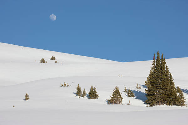 Continental Divide Photograph - Usa, Colorado Moon Rise by Jaynes Gallery