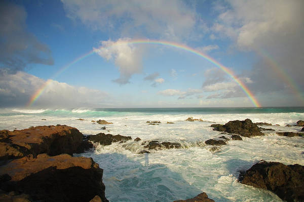 Wall Art - Photograph - Usa, Hawaii, Rainbow Offshore by Ron Dahlquist