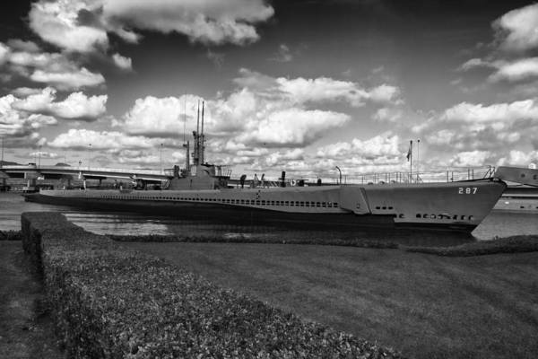 Uss Bowfin Photograph - Uss Bowfin-black And White by Douglas Barnard