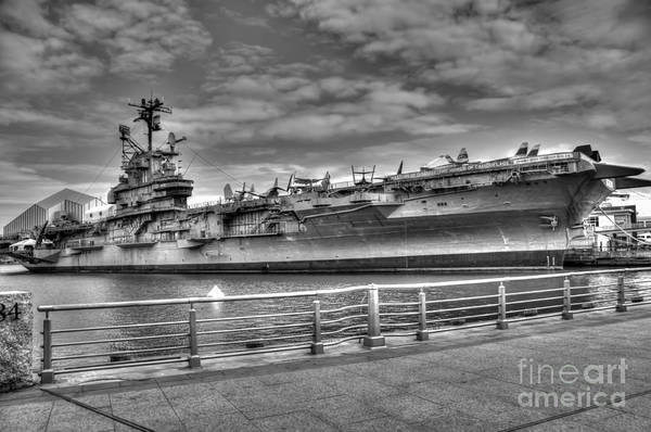 Uss Intrepid Art Print