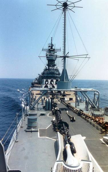Photograph - Uss Iowa At Sea by Jamie Baldwin