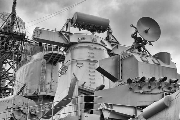 Uss Arizona Wall Art - Photograph - Uss Missouri- Radar System by Douglas Barnard