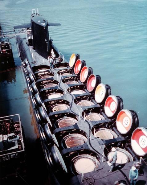 Dry Dock Photograph - Uss Sam Rayburn Submarine by Us Navy/science Photo Library