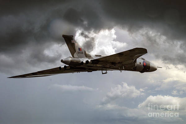 Vulcan Xh558 Wall Art - Digital Art - V Force by J Biggadike