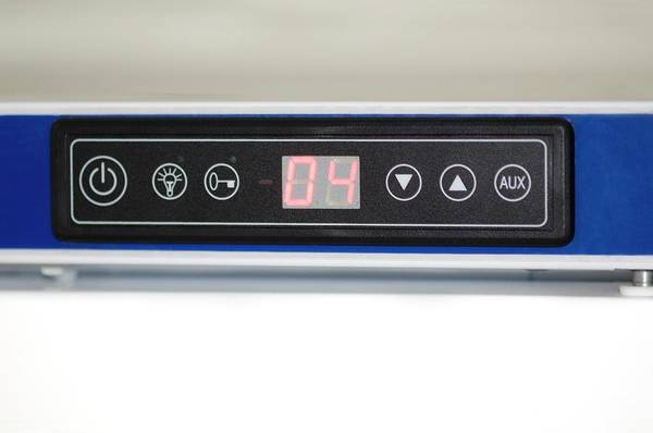 Thermometer Wall Art - Photograph - Vaccine Refrigerator Thermometer by Dr P. Marazzi/science Photo Library