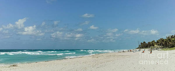 Photograph - Varadero Beach by Les Palenik