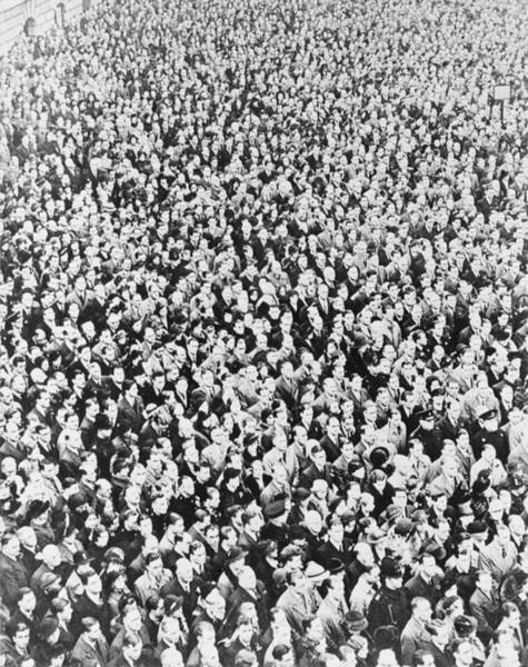 Wall Art - Photograph - Ve Day Crowd, London, 1945 by Science Photo Library