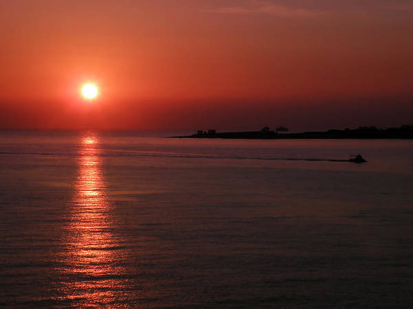 Photograph - Vela In Grecia by Micki Findlay