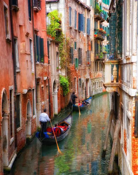 Photograph - Venice Gondoliers by Bob Coates