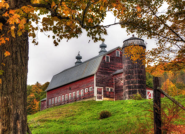 Vermont Country Barn In Autumn Art Print