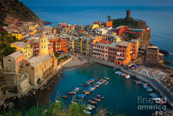 House Beautiful Photograph - Vernazza Pomeriggio by Inge Johnsson