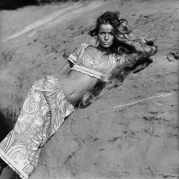 Photograph - Veruschka Von Lehndorff Leaning Against An by Franco Rubartelli