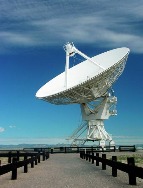 Very Large Array Photograph - Very Large Array Antenna by Peter Bassett/science Photo Library