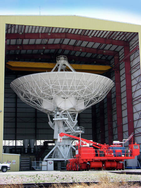 Very Large Array Photograph - Very Large Array (vla) Radio Antenna by Tony Craddock/science Photo Library