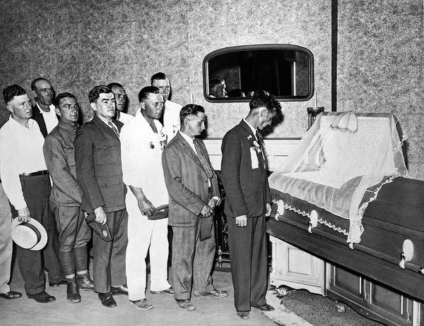Respect Photograph - Veterans View Advocate's Body by Underwood Archives