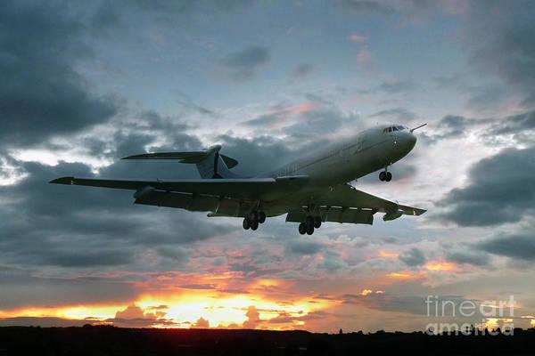 101 Digital Art - Vickers Vc-10 Xr808 by J Biggadike