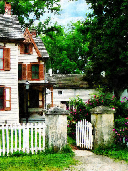 Photograph - Victorian Home With Open Gate by Susan Savad