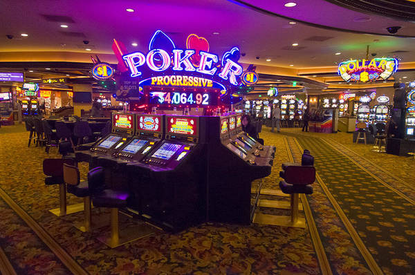 Harrahs Photograph - Video Poker Machines On A Casino Floor by Scott Lenhart