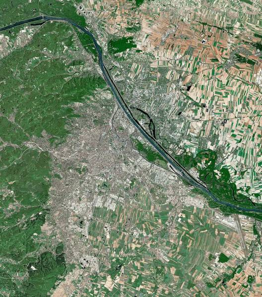 Vienna Photograph - Vienna by Mda Information Systems/science Photo Library