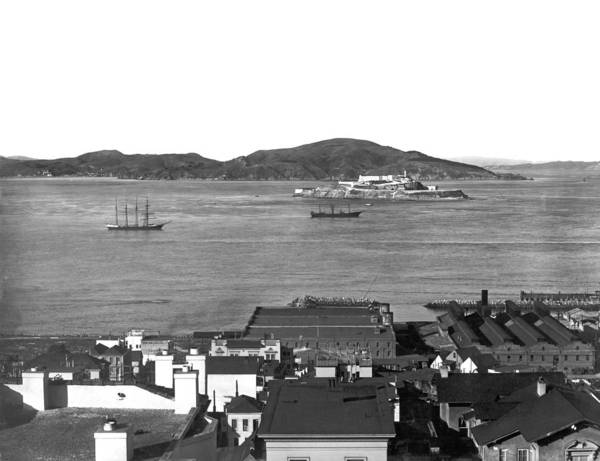 Photograph - View Of Alcatraz Island by Underwood Archives