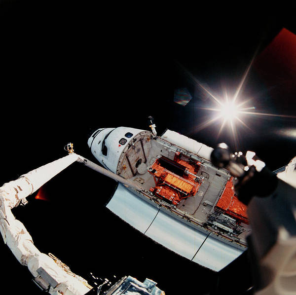 Mission Bay Photograph - View Of Endeavour From End Of Rms Arm by Nasa/science Photo Library