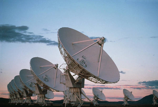 Very Large Array Photograph - View Of Vla Radio Telescope by Peter Menzel/science Photo Library