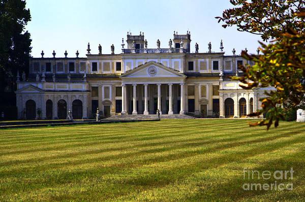 Photograph - Villa Pisani Vista by Brenda Kean