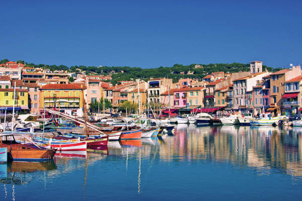 Photograph - Village In Provence by Jean-pierre Lescourret