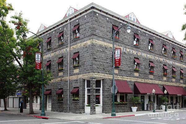 Santa Rosa Photograph - Vintage Hotel La Rose Santa Rosa California 5d25844 by Wingsdomain Art and Photography