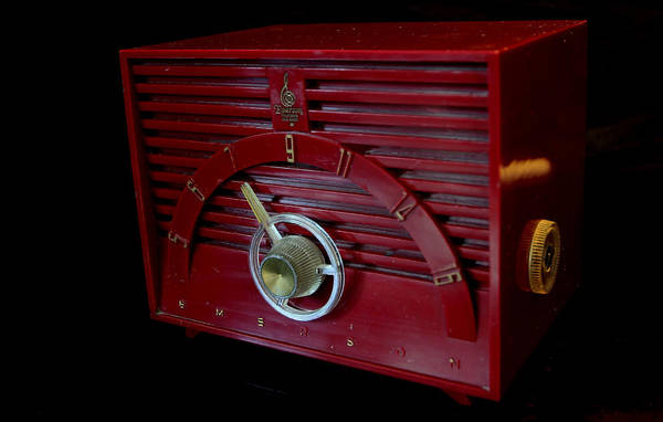 Photograph - Vintage Radio by David Dufresne