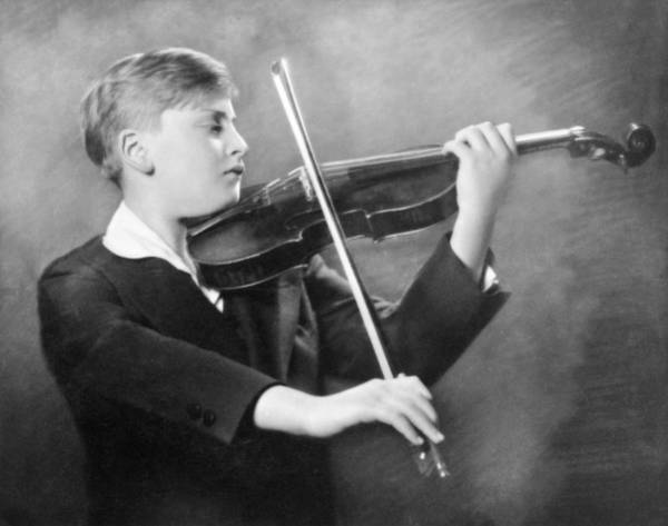 1931 Photograph - Violinist Yehudi Menuhin by Underwood Archives