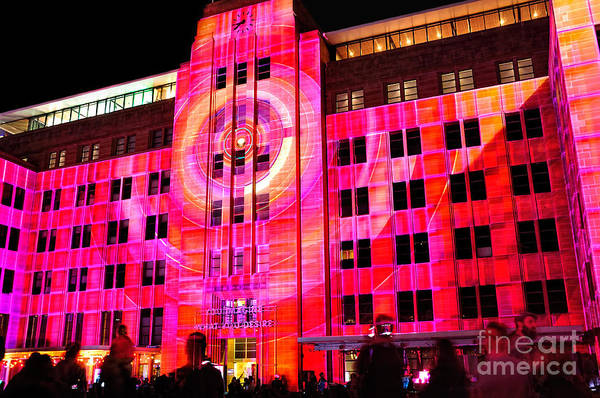 Neon Pink Photograph - Vivid Sydney 2014 - Museum Of Contemporary Arts By Kaye Menner by Kaye Menner