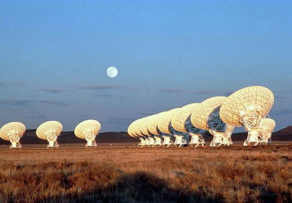 Very Large Array Photograph - Vla Radio Telescope by Barney Magrath/science Photo Library