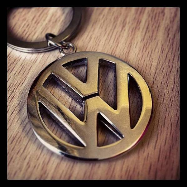 Vw Transporter Photograph - volkswagen VW keyring by Christopher Wiltshire