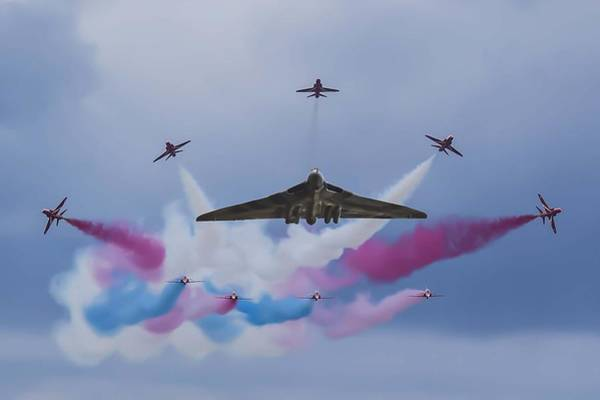 Avro Wall Art - Photograph - Vulcan Xh558 And The Red Arrows by John Richardson