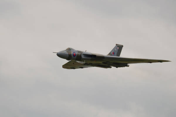 Photograph - Aircraft - Vulcan Xh558 -flyby by Scott Lyons