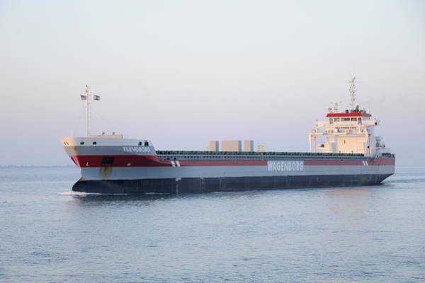 Photograph - Wagonborg Tanker by Bradford Martin