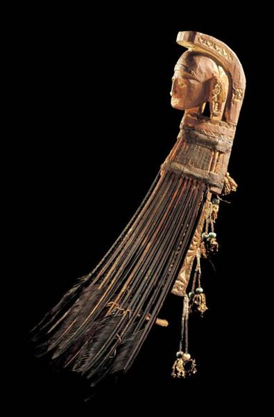 Wood Carving Photograph - Warrior's Headdress by Patrick Landmann/science Photo Library