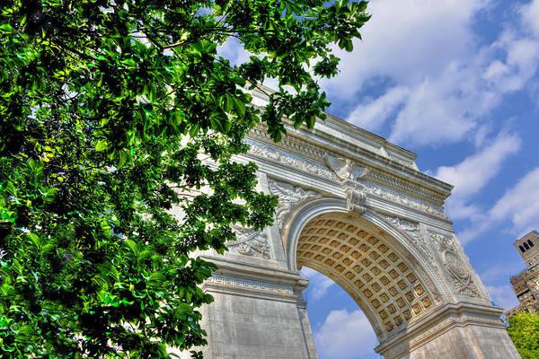 Washington Square Park Photograph - Washington Square Arch Profile View by Randy Aveille
