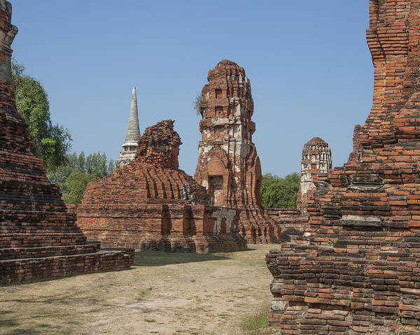 Photograph - Wat Mahathat Prangs And Chedi Dtha0231 by Gerry Gantt