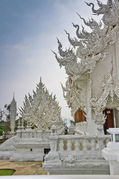 Art And Craft Photograph - Wat Rong Khun White Temple by Kylie Mclaughlin