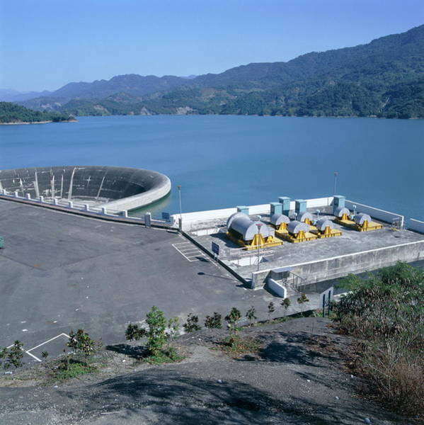 Taiwanese Wall Art - Photograph - Water Reservoir And Dam by Mark De Fraeye/science Photo Library
