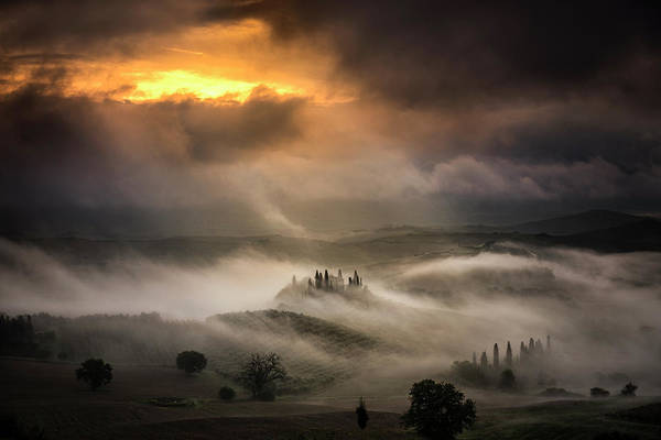 Tuscany Landscape Wall Art - Photograph - Waves Of Fog by Alberto Ghizzi Panizza