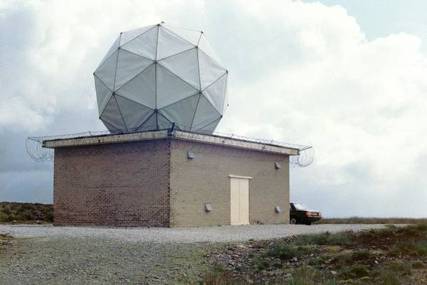 The Weather Photograph - Weather Radar by British Crown Copyright, The Met Office / Science Photo Library
